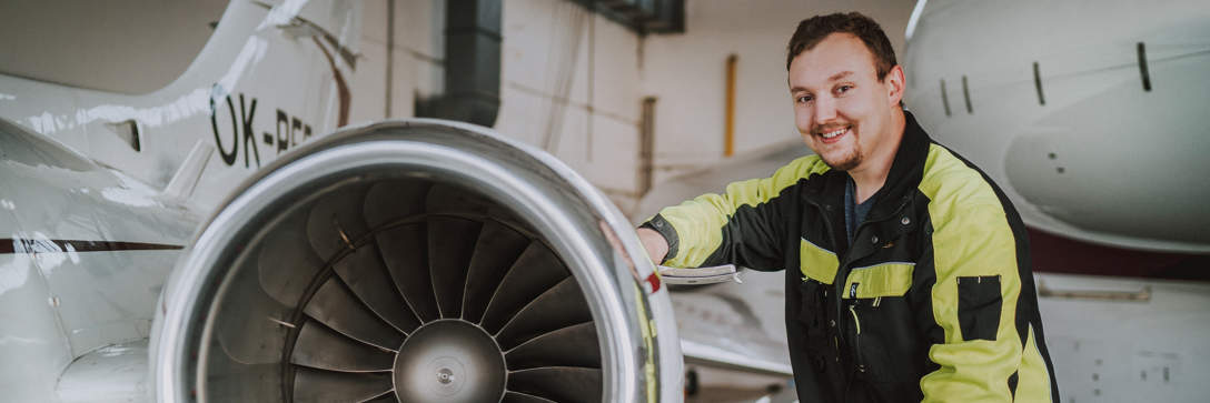 Aircraft servicing and maintenance